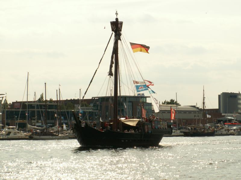 Traditionssegler auf Warnow zu Hansesail 2008