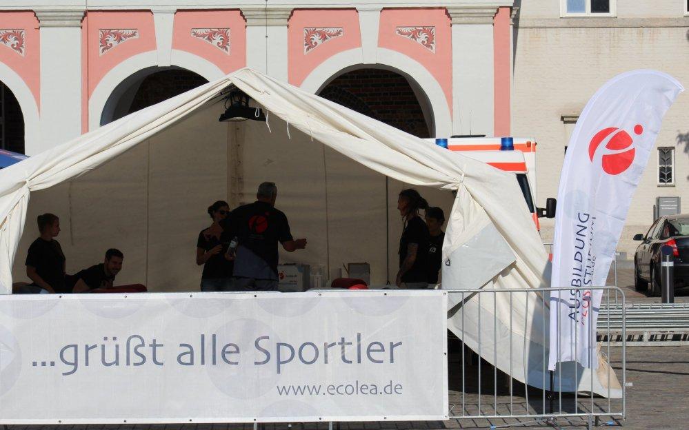 Massage-Mannschaft von ecolea bei der Rostocker Marathon-Nacht 2019